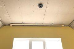 Фактурный натяжной потолок на мансарде-Парча 3D 1
