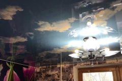 Фактурный натяжной потолок на кухне-Облака